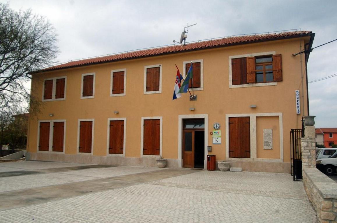 slika zgrade Kamenjak